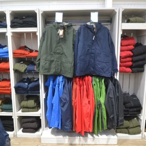 Outdoor-clothing-stand