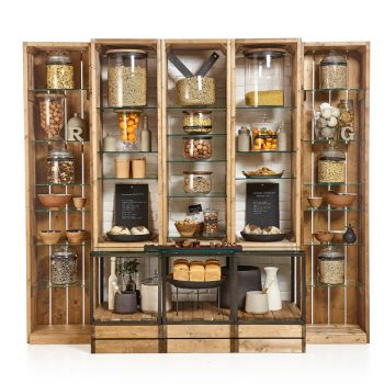 Crate-shelving-with-brick-back-and-cubes