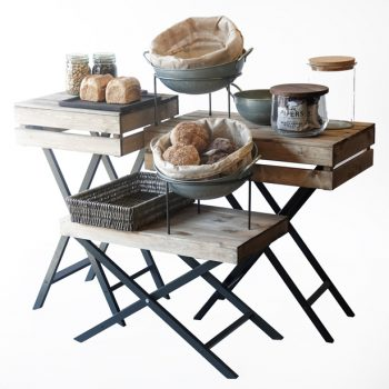 Waiters-tables-with-bakery-props