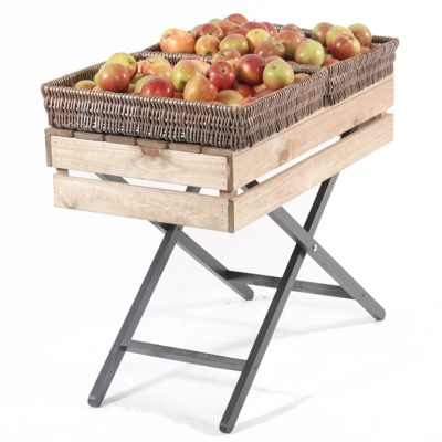 Waiters-Table-with-wicker-baskets
