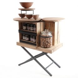 Waiters-Table-with-400mm-crates-and-merchandising-risers