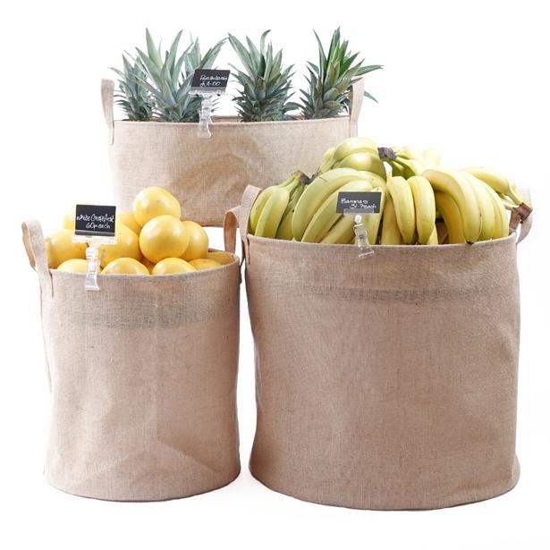 Hessian-dump-bins-Fruit-display2