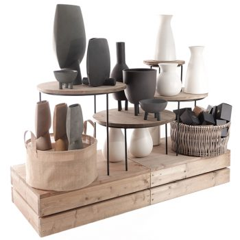 Plinth-display-with-merchandising-risers-and-vases