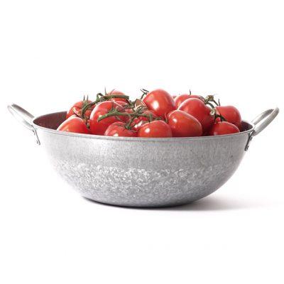 Galvanised-bowl-large-tomatoes