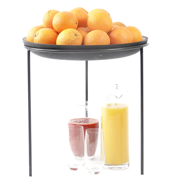Wooden-Bowl-large-on-Tall-MR-oranges-and-juicing